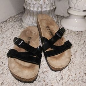 Like New Birkenstock Blk Patent Yao Balance Sandal